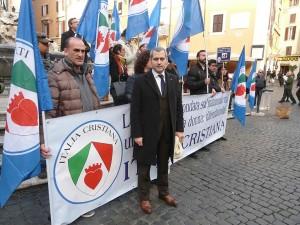 Manifestazione_per_la_famiglia_Italia_Cristiana_2